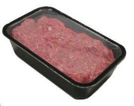 Упаковка мясного фарша в контейнеры