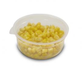 Упаковка варёной кукурузы в контейнеры