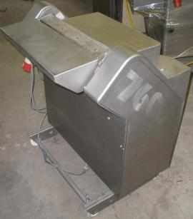 Шкуросъемная машина Townsend 7600 б/у сбоку